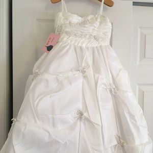 Other - Macis Design Flower girl / Communion Size 6 NWT